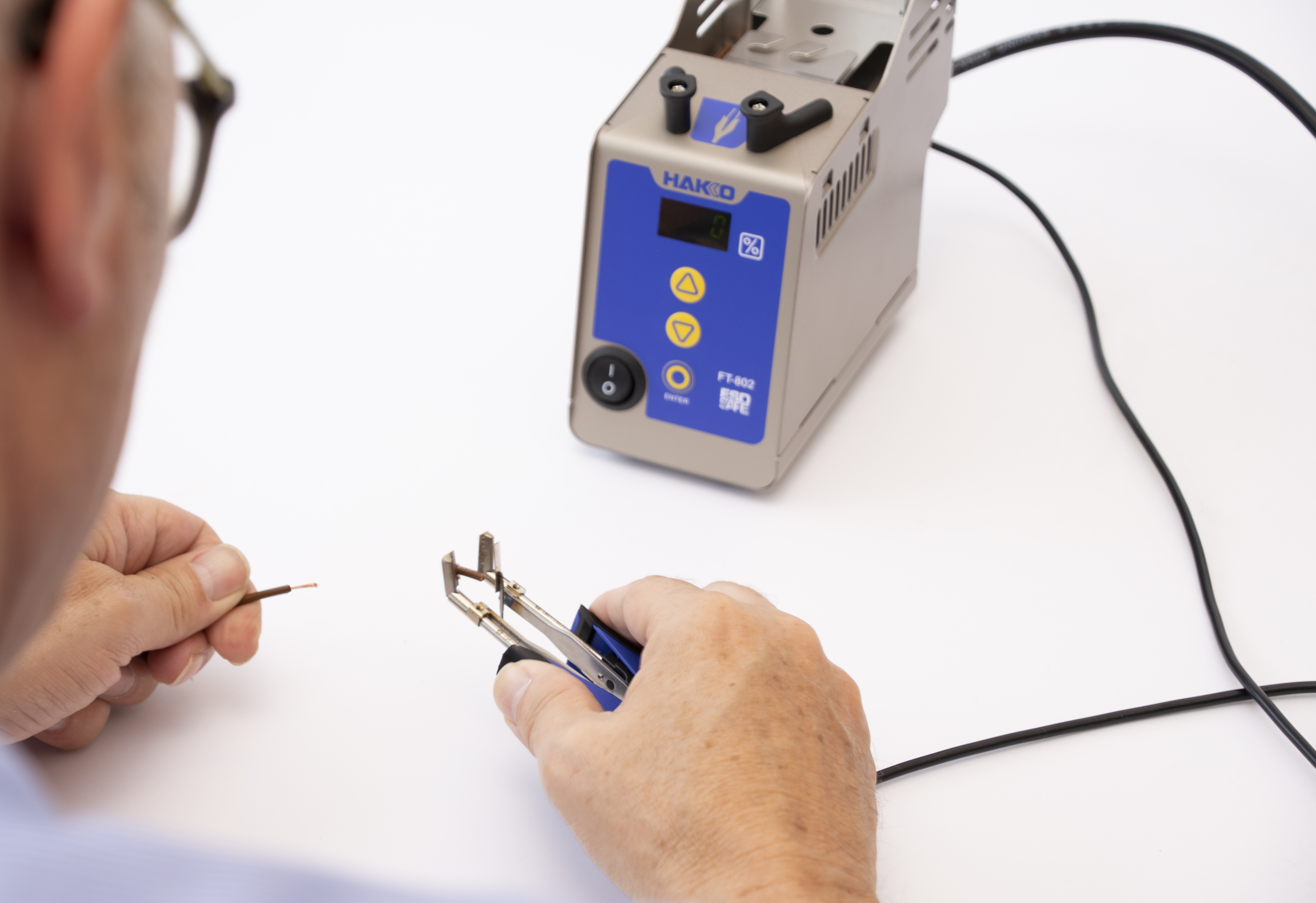 HAKKO Thermal Wire Stripper FT-802 Live Demonstrations